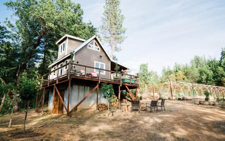 Camping und Weed in Kalifornien. Für Erntehelfer kostenlos.